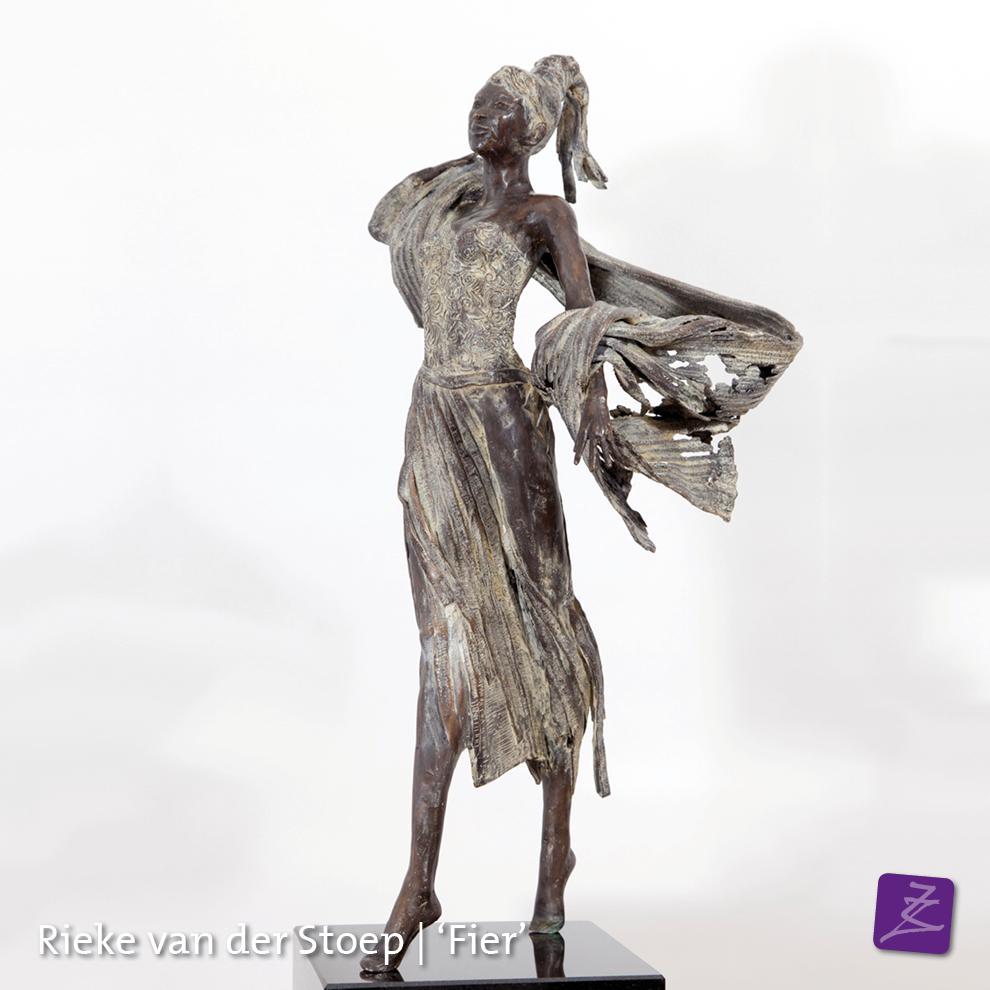 Rieke van der Stoep Fier Vrouwelijk Vrijdenken sjamaan spiritueel dankbaarheid culturen brons religie azie zuid-amerika beeldtaal tekens figuratief verfijnd vrouw man sculpture sculpturelover