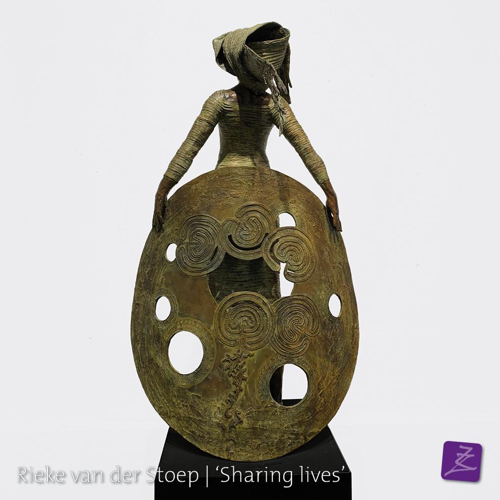 Rieke van der Stoep Vrijdenken sjamaan spiritueel dankbaarheid culturen brons religie azie zuid-amerika beeldtaal tekens figuratief verfijnd vrouw man sculpture sculpturelover Sharing lives